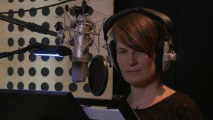 Birgit im Tonstudio